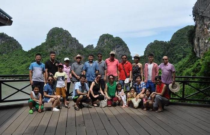 VINACONEX6 tổ chức cho CBCNV tham quan nghỉ mát hè năm 2016 tại Hạ Long – Quảng Ninh.